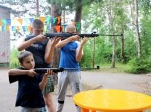 Армия в детском лагере