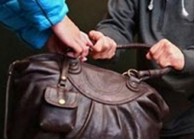 34-летний мужчина ограбил пенсионерку