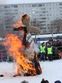 Челнинцы отметили Масленицу народными гуляниями