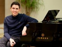 Пианист с мировым именем выступает в Органном зале