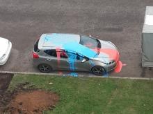 Челнинка ищет вандалов, обливших ее автомобиль краской