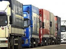 Дальнобойщики снизили скорость на трассах до 10-15 км/ч, и появились пробки