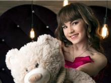 Челнинская певица Аделина Абдуллина презентовала видеоклип 'День рождения каждый день'