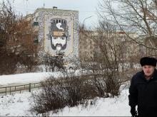 В городе Выкса картины пишут на домах