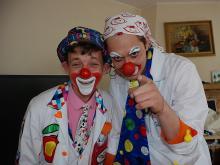 Команда больничных клоунов приглашает челнинцев на семейный праздник «Чемодан Чудес»
