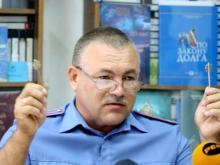 У подполковника полиции в Набережных Челнах обворовали дачу, отжав пластиковое окно