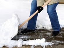 Должны ли родители чистить снег в детском саду? Могут, если сами захотят
