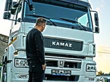'Профессор Преображенский' рассказал о проблемах тягача 'КАМАЗ' после 50000 км пробега (видео)