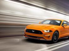 Ford представил новый Mustang: ключи от первого автомобиля вручал Дуэйн «Скала» Джонсон