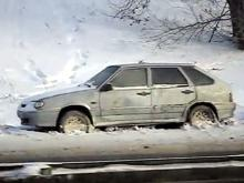 Кому принадлежит 'брошенный' 'ВАЗ-2114' на трассе М-7 недалеко от поста 'Тула-1' (видео)