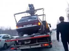 Погруженный на эвакуатор автомобиль ГИБДД вернула подоспевшему владельцу (продолжение истории)