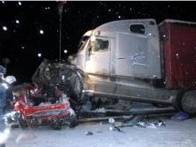 В Татарстане на автотрассе М-7 в ДТП с большегрузом погибли преподаватель и студент