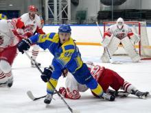 Хоккейный клуб 'Челны' проиграл лидеру первенства ХК 'Ростов' со счетом 1:2