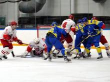 В матче с лидирующим ХК 'Ростов' челнинские хоккеисты забили 5 шайб, но все же проиграли (видео)