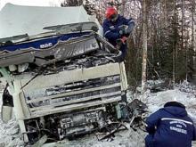 Дальнобойщик из Татарстана погиб в Челябинской области, перевернувшись на грузовике