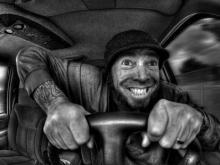 «Водители «маршруток» с рациями «крадут» пассажиров у «Нефазов»