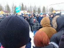 Организаторов несанкционированного митинга на площади Азатлык увезли в Центральный ОВД