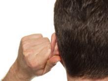 Челнинец схватил полицейского за ухо и получил за это срок
