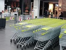 Депутаты Госдумы и сенаторы хотят запретить гипермаркетам в России работать по воскресеньям