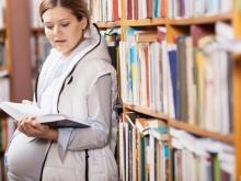 В следующем учебном году родившие ребенка студентки смогут учиться бесплатно