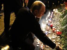 Владимир Путин почтил память погибших в петербургском метро
