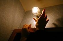 Расходы на свет в подъездах упали в 3 раза